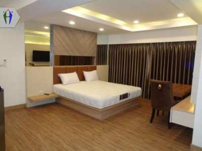 Room for Rent 6,500 baht Next to Close to Terminal 21.