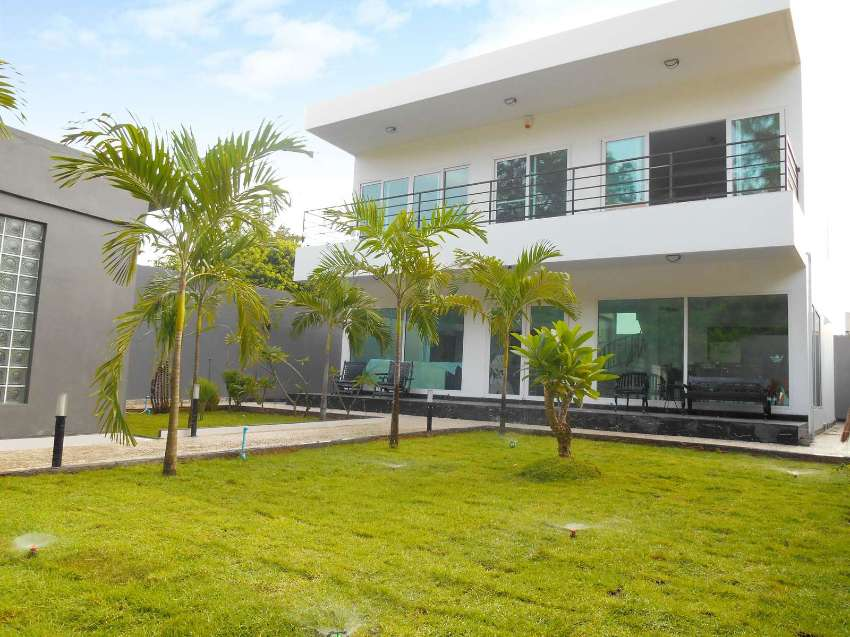 Bargain price 5,900,000 Baht, 3 Bed Ultra modern house in Jomtien.