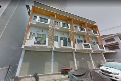 Commercial building for sale in Chiang Mai, beautiful city, 3 floors, 126 square meters, 3 units for sale.