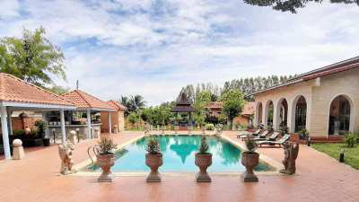 Silver Lake - Mediterranean 22 Bedroom Estate on 7.000 m2