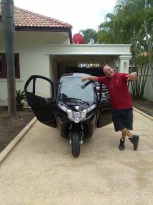 SEV Futuro black Edition electric Car