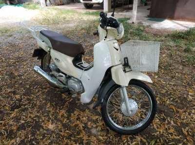 Honda super cub, very low kilometers
