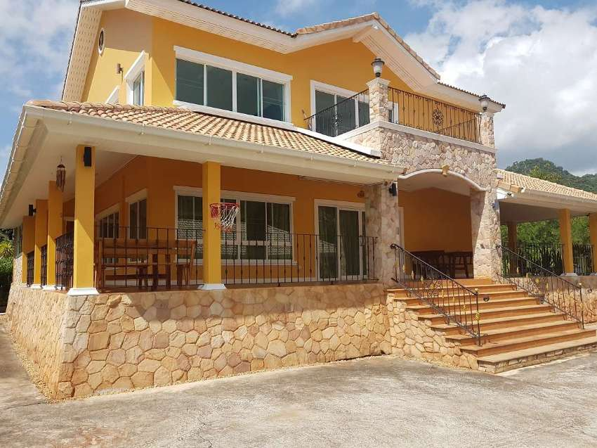 Stunning 4 bedroom house in Khao Yai