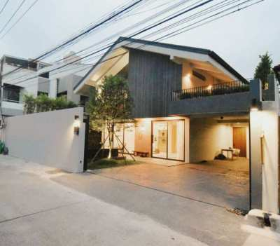 Bangkok Modern contemporary Private Pool house for sale