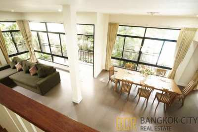 Spacious 4 Bedroom Luxury House in Private Compound within Thonglor