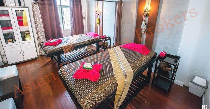 0123013 Cozy Massage Shop in Sukhumvit Soi 22 for Sale