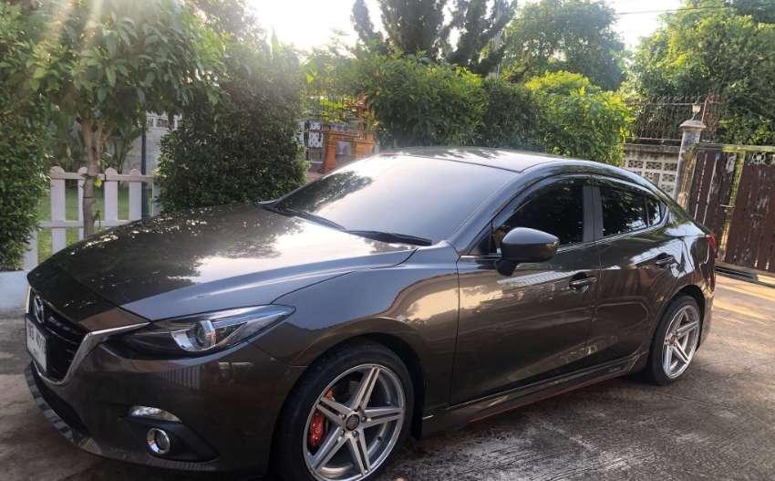 Mazda 3 2.0 liters 2016 for sale.