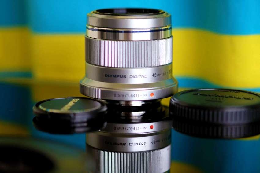 OLYMPUS 45mm F1.8 Portrait lens