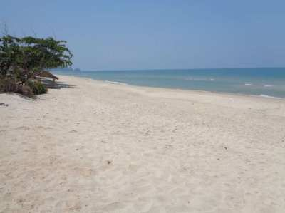 Sea and mountain view apartment Nadan beach Khanom.