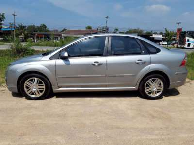 Ford Focus GHIA ( 1 owner/full service ) DELIVERY POSSIBLE !!!