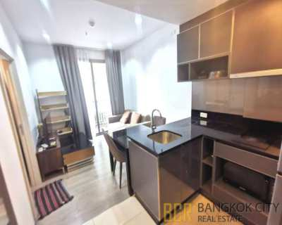 Nye by Sansiri Luxury Condo Pool View 1 Bedroom Flat for Rent