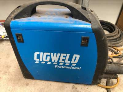 WELDER WITH GAS ADAPTER NOT USED ANY MORE