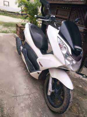 Forsale - PCX 2013, 150cc white, well maintained, low mileage.