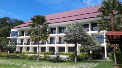 Selling 2-star hotel, Ta Khun Market, Ban Ta Khun, Surat Thani.