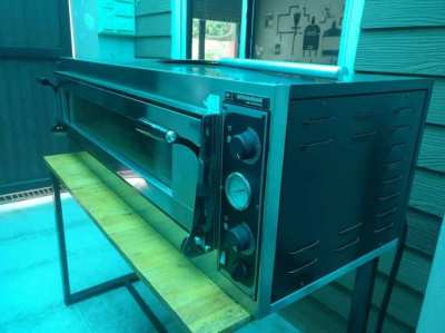 Electric Pizza Oven Imported from Italy - reduced!