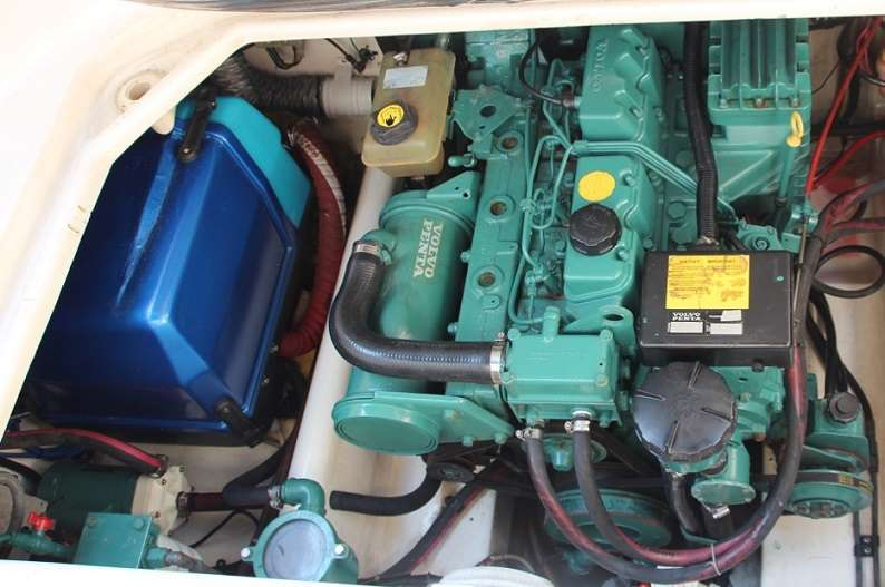 Sealine Senator 240 - Diesel Engine