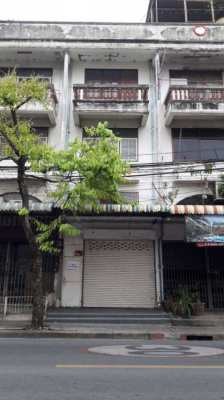 4 storey shop house for rent Soi Petchkasem 48 very good location