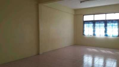 4 storey shop house for rent Soi Petchkasem 48 very good location