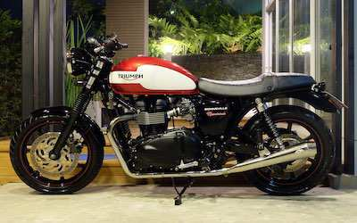 Triumph Bonneville Newchurch 2015 immaculate condition only 7,3xx km!