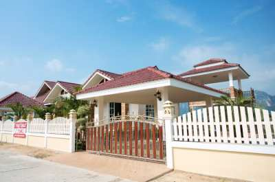 Beautiful New 3 Bedroom Pool/Jacuzzi Villa in Arlek Mountain Cha am