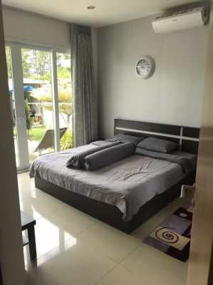 Villa beside Silverlake with pool on 117 Wah land Super Deal !