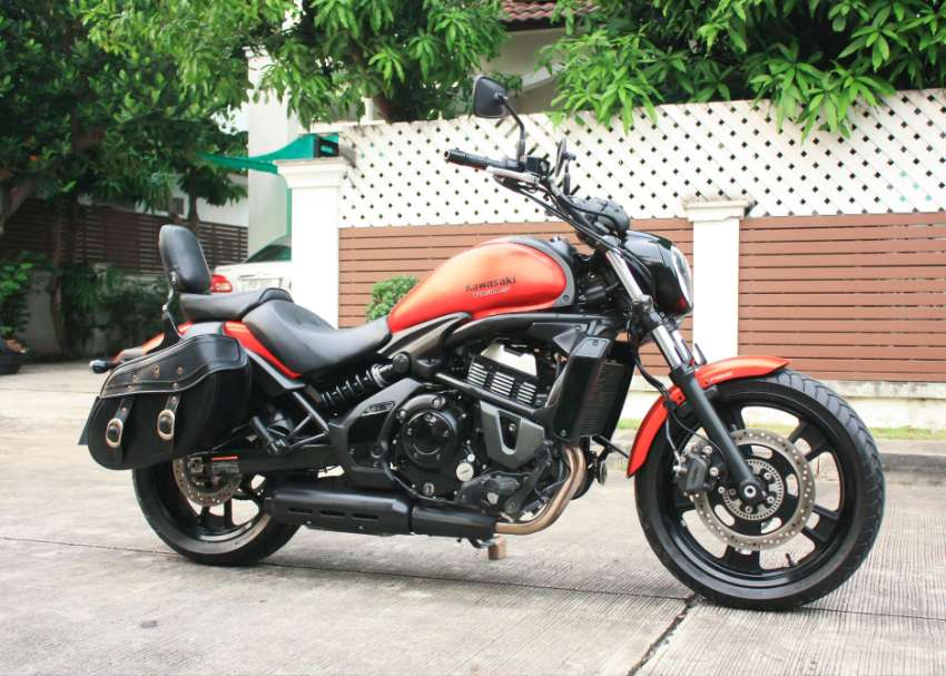 [ For Sale ] Kawasaki vulcan s 2015 with side bag excellent condition