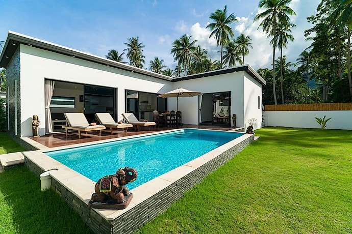 For rent 3 bedroom pool villa Lamai Koh Samui
