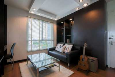 Condo closed to MRT Ladprao for Rent (1BR Corner Room Fully Furnished)