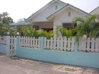 3 Bed 2 bath Hua Hin villa for rent on pool village