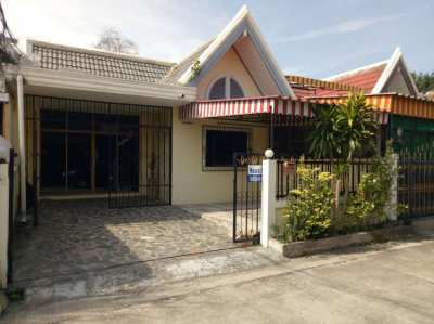 One story Townhouse for rent North Pattaya, Naklua road. Good location