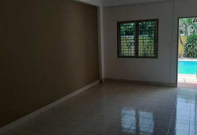 BS2032 Jomtien Apartment  14 room for sale