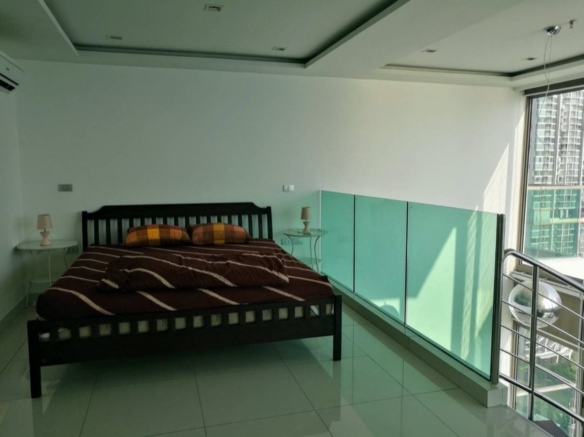 Duplex For Sale on 35th Floor only 100K