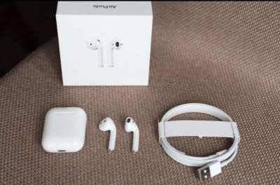 Airpods 2 with Charging Case (not wireless)