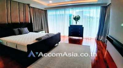 Modern Living House 3 Bedroom For Rent BTS Phrom Phong in Sukhumvit