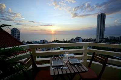Ocean View Corner Condo in Jomtien at Pattaya Condotel Chain For Rent