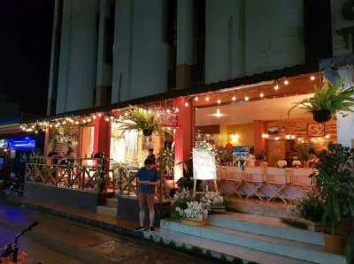 Good Corner Restaurant and Bar