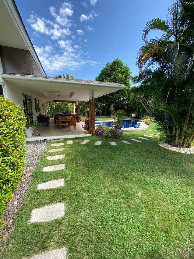 Beautiful secluded Pool Villa set in lush tropical garden in Hua Hin