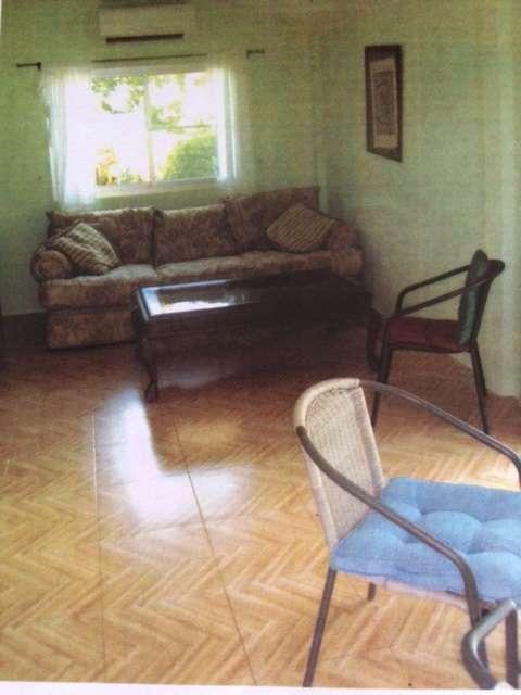 Two bedroom bungalow, quiet location to rent.