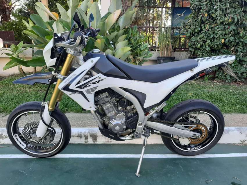 Honda CRF 250 supermotard