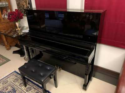Yamaha Acoustic Upright piano - U30 BL - like NEW