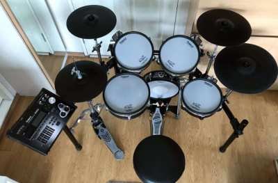 Roland Drums 4 Sets