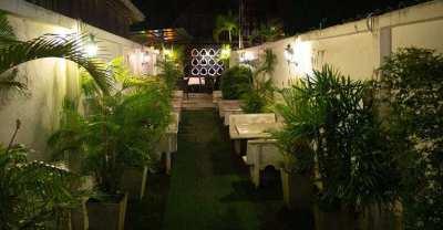 Well Established Restaurant & Bar Business For Sale