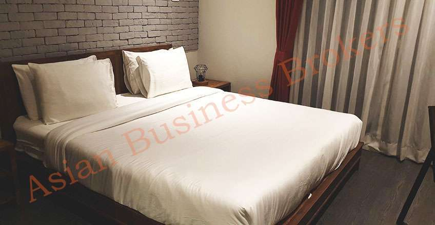 0123109 Gastropub with Hotel Standard Accommodation in Sukhumvit