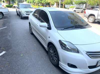 Selling car vios 1.5 E at the end of the year (December) 2012 periodic checks throughout