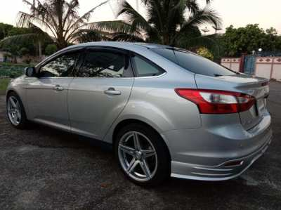 ford focus 4 doors titanium full options 2012