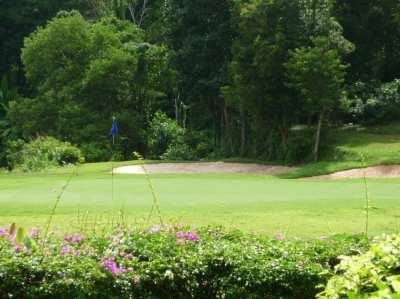 I want to buy a golf membership in Phuket.