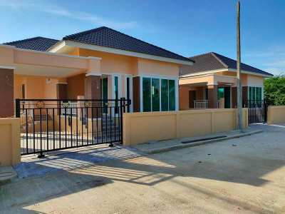 New Affordable 2 BR 2 Bath Villas Near Cha-am Center and Beach