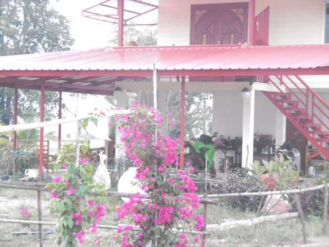 Nice design house,with two beautiful  fishlakes ,garden,nature pure