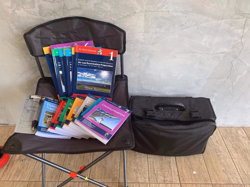 Privat Pilot Training Manuals.  Full set Never used!