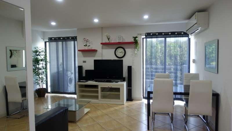 2 bedroom 101 m2 condo at top Pratumnak-location